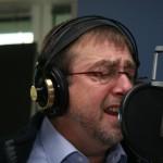 Seit 2001 gibt es Bernd Knobloch auch auf CD - inzwischen sind fünf Alben aus der Regenbogengasse 3 erschienen